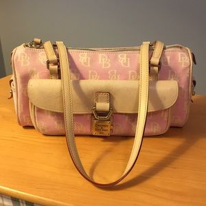 Dooney & Bourke signature pink barrel bag